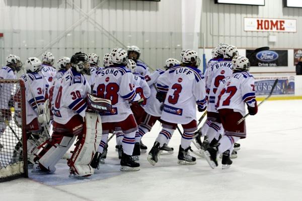 201009HockeyGame