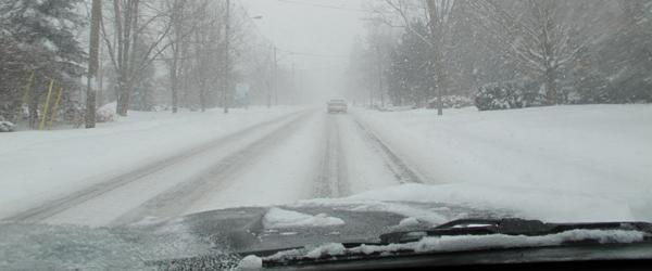 HM106_SnowyRoads